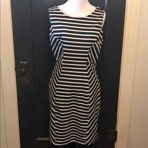 WOW!! Great black and white dress! Size 12